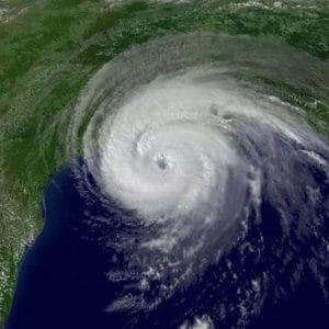 Spirale aurea in un uragano
